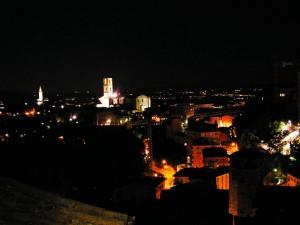 centro-perugia-illuminazione-notte