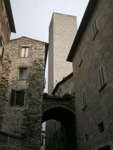 perugia-via-priori-torre-sciri